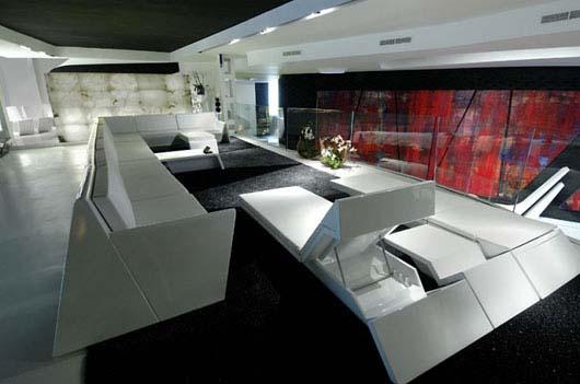 un magasin futuriste en noir et blanc madrid floriane. Black Bedroom Furniture Sets. Home Design Ideas