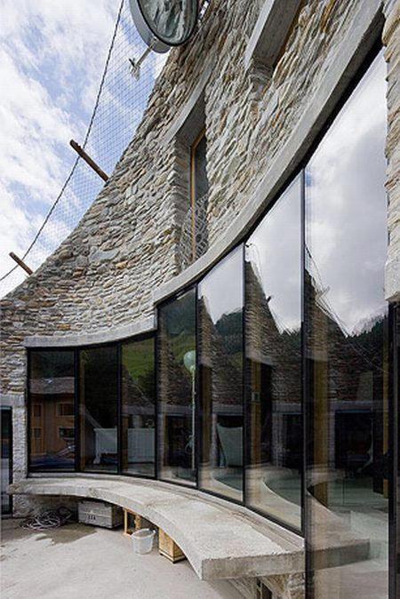 Une maison enterr e en suisse floriane lemari - Maison campagne suisse fovea architects ...