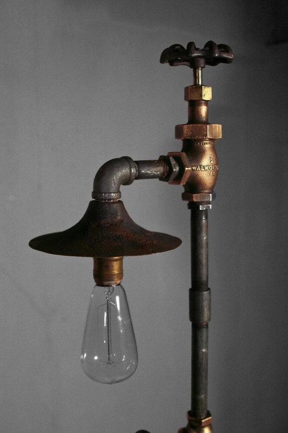 l 39 id e d co du dimanche une lampe robinet floriane lemari. Black Bedroom Furniture Sets. Home Design Ideas