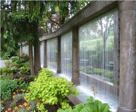 des murs d 39 eau pour un ext rieur exceptionnel floriane. Black Bedroom Furniture Sets. Home Design Ideas