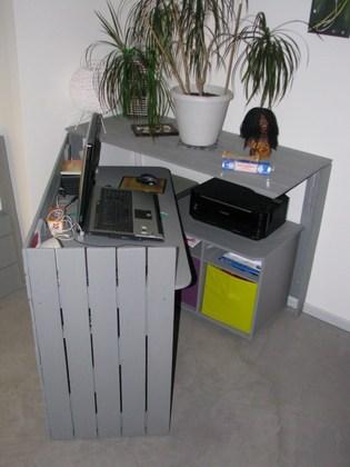 Diy un bureau cach r alis avec des palettes floriane lemari - Bureau en palette de bois ...