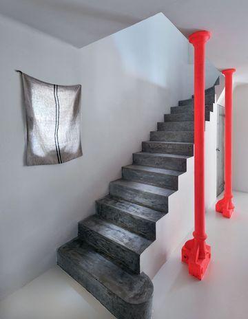 L 39 id e d co du samedi un escalier industriel fluorescent floriane lemari for Idee rampe escalier