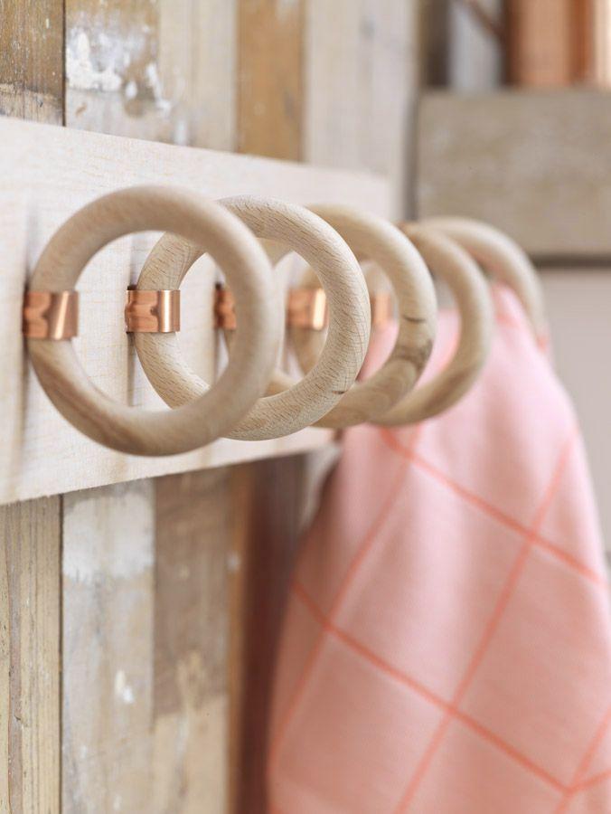 l 39 id e d co du samedi un porte torchons avec des anneaux de tringles rideaux floriane lemari. Black Bedroom Furniture Sets. Home Design Ideas