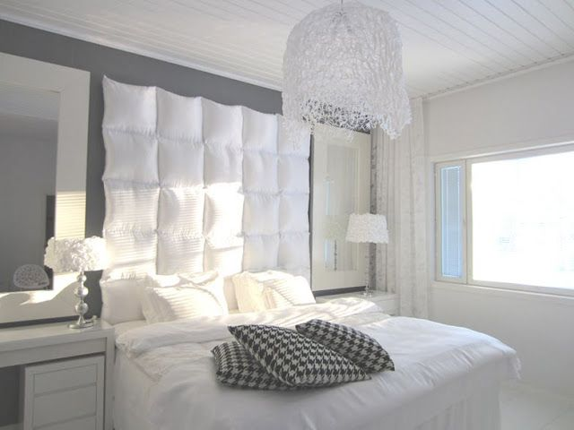 diy fabriquer une t te de lit avec des oreillers floriane lemari. Black Bedroom Furniture Sets. Home Design Ideas