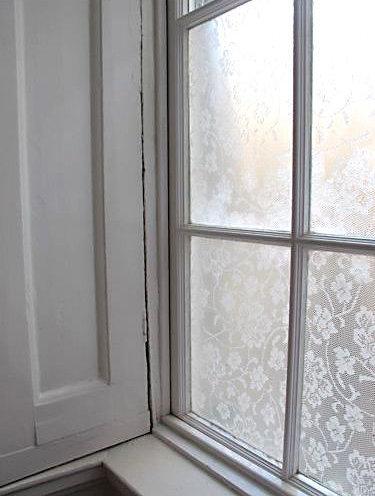 l 39 id e d co du samedi de la dentelle sur les vitres floriane lemari. Black Bedroom Furniture Sets. Home Design Ideas