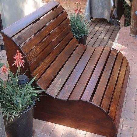 Diy fabriquer un banc de jardin en bois floriane lemari for Plan banc de jardin