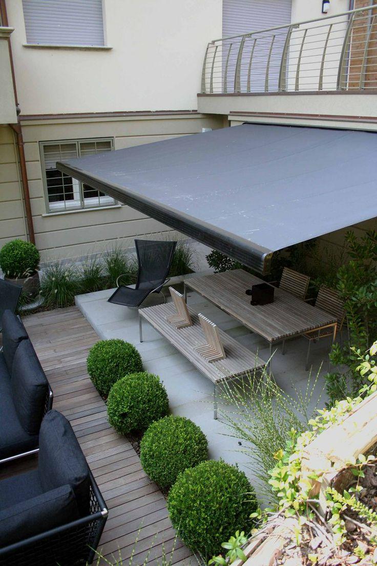 des auvents de terrasse pour se prot ger du soleil. Black Bedroom Furniture Sets. Home Design Ideas