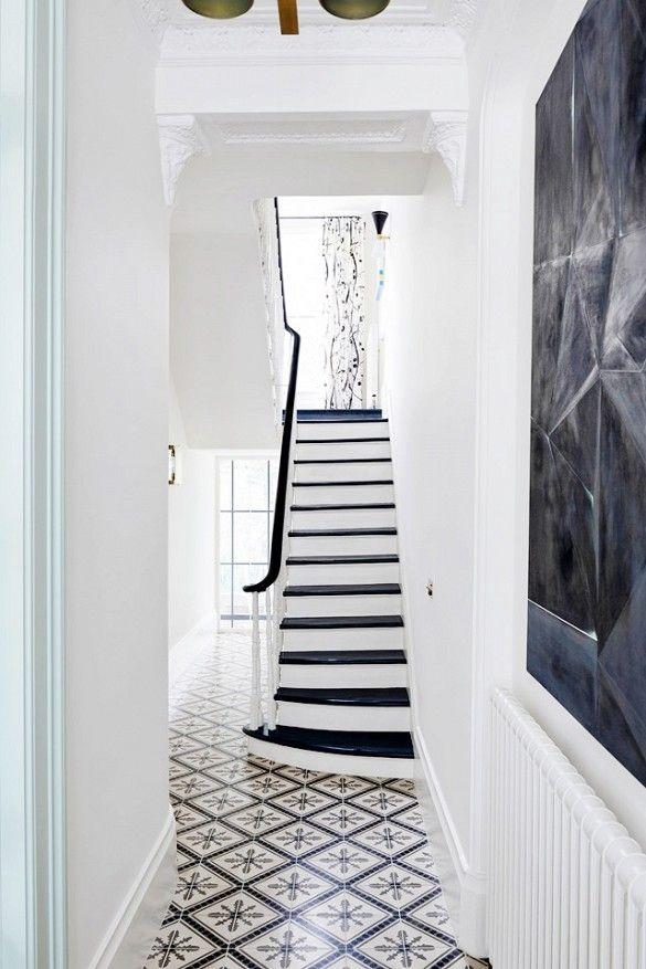 des escaliers chics en noir et blanc floriane lemari. Black Bedroom Furniture Sets. Home Design Ideas