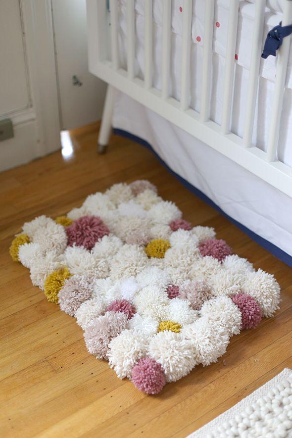 l39idee deco du dimanche un tapis avec des pompons With tapis chambre bébé avec fleuriste dimanche