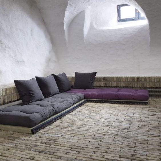 des canap s m me le sol floriane lemari. Black Bedroom Furniture Sets. Home Design Ideas