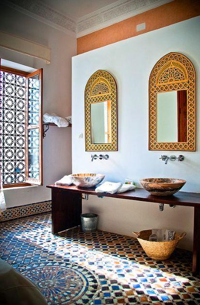 des salles de bain au style oriental. Black Bedroom Furniture Sets. Home Design Ideas