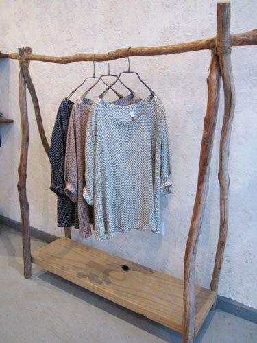 Diy fabriquer un dressing avec une planche et des for Planche pour dressing