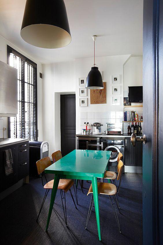 osez le vert meraude dans votre int rieur. Black Bedroom Furniture Sets. Home Design Ideas