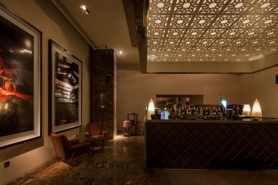 b zen un bar portugais aux inspirations orientales floriane lemari. Black Bedroom Furniture Sets. Home Design Ideas