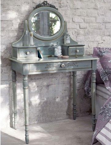 histoire d 39 un objet la coiffeuse floriane lemari. Black Bedroom Furniture Sets. Home Design Ideas