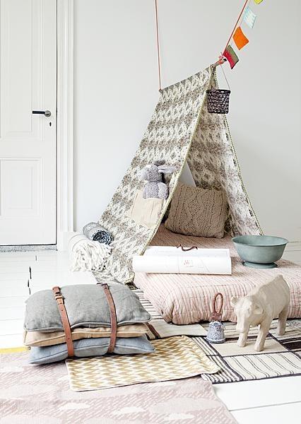 tentes et tipis une d coration propice l 39 imagination floriane lemari. Black Bedroom Furniture Sets. Home Design Ideas