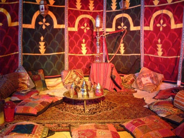 Inspirations marocaines floriane lemari - Deco salon warme kleur ...