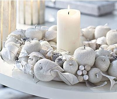 No l 2013 la d coration de table s 39 habille en blanc floriane lemari - Decoration de table de noel blanche ...
