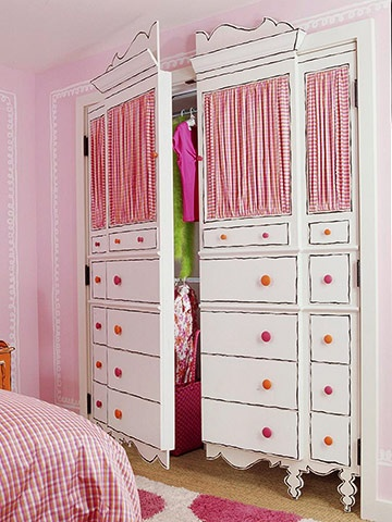 l 39 id e d co du dimanche une armoire de petite fille. Black Bedroom Furniture Sets. Home Design Ideas