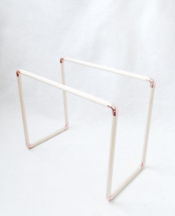 diy fabriquer un porte magazine en bois et cuivre. Black Bedroom Furniture Sets. Home Design Ideas