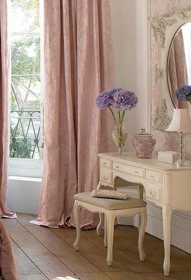 Du violet et du rose pour une chambre toute en f minit - Chambre toute rose ...
