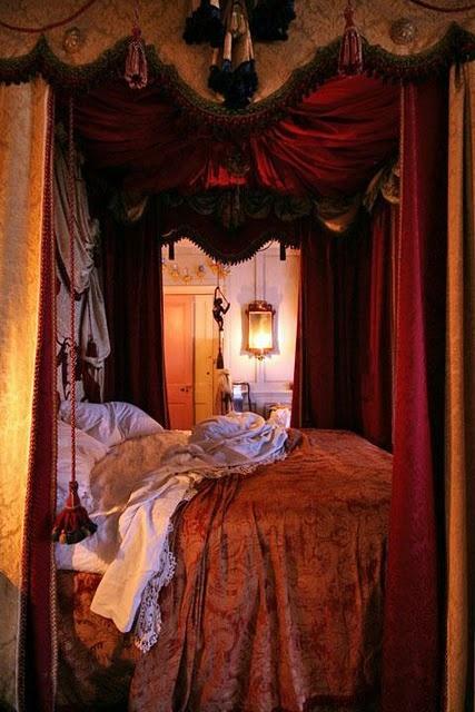 Des Chambres Royales Floriane Lemari 233