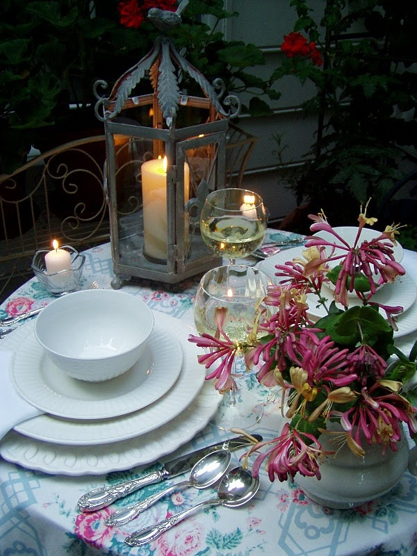 Jolies tables pour la saint valentin floriane lemari for Table saint valentin