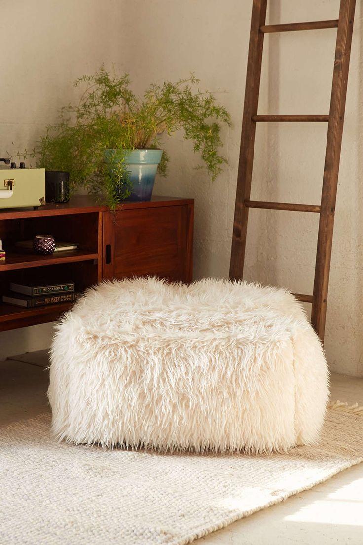 le pouf dans tous ses tats floriane lemari. Black Bedroom Furniture Sets. Home Design Ideas