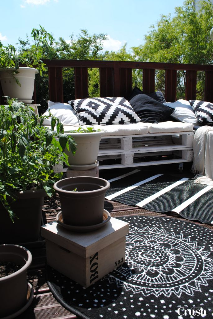 des tapis sur la terrasse floriane lemari. Black Bedroom Furniture Sets. Home Design Ideas