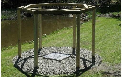 L'idée déco du samedi Un kiosque balancelles ! Floriane Lemarié # Construire Un Kiosque En Bois