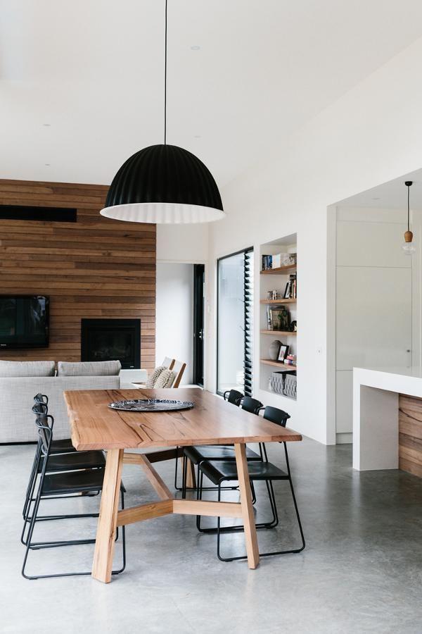 Le blanc et le noir subliment le bois dans la d co floriane lemari - Deco design eetkamer ...
