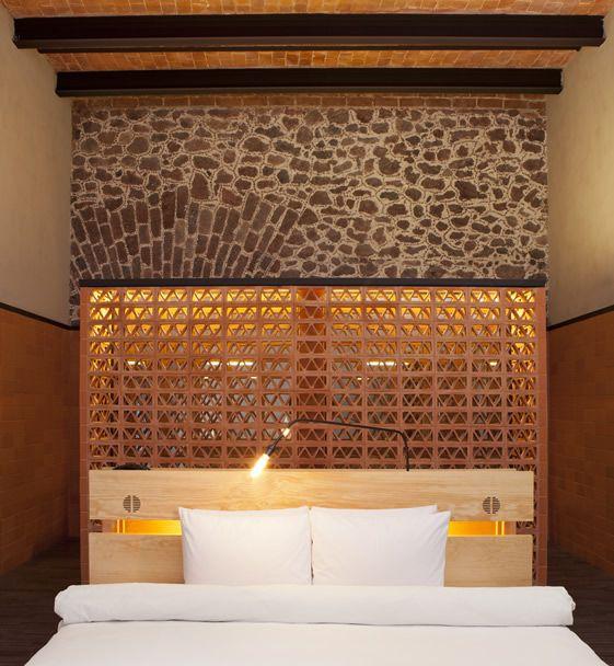 inspirez vous des t tes de lit d 39 h tels floriane lemari. Black Bedroom Furniture Sets. Home Design Ideas