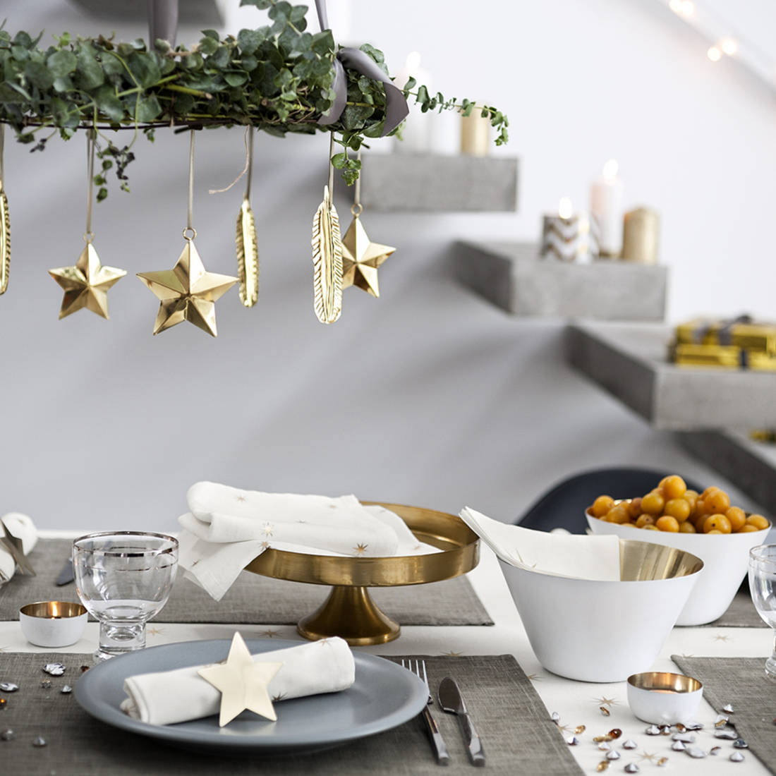 De jolies tables pour le r veillon de no l floriane lemari for Decoration pour table de noel