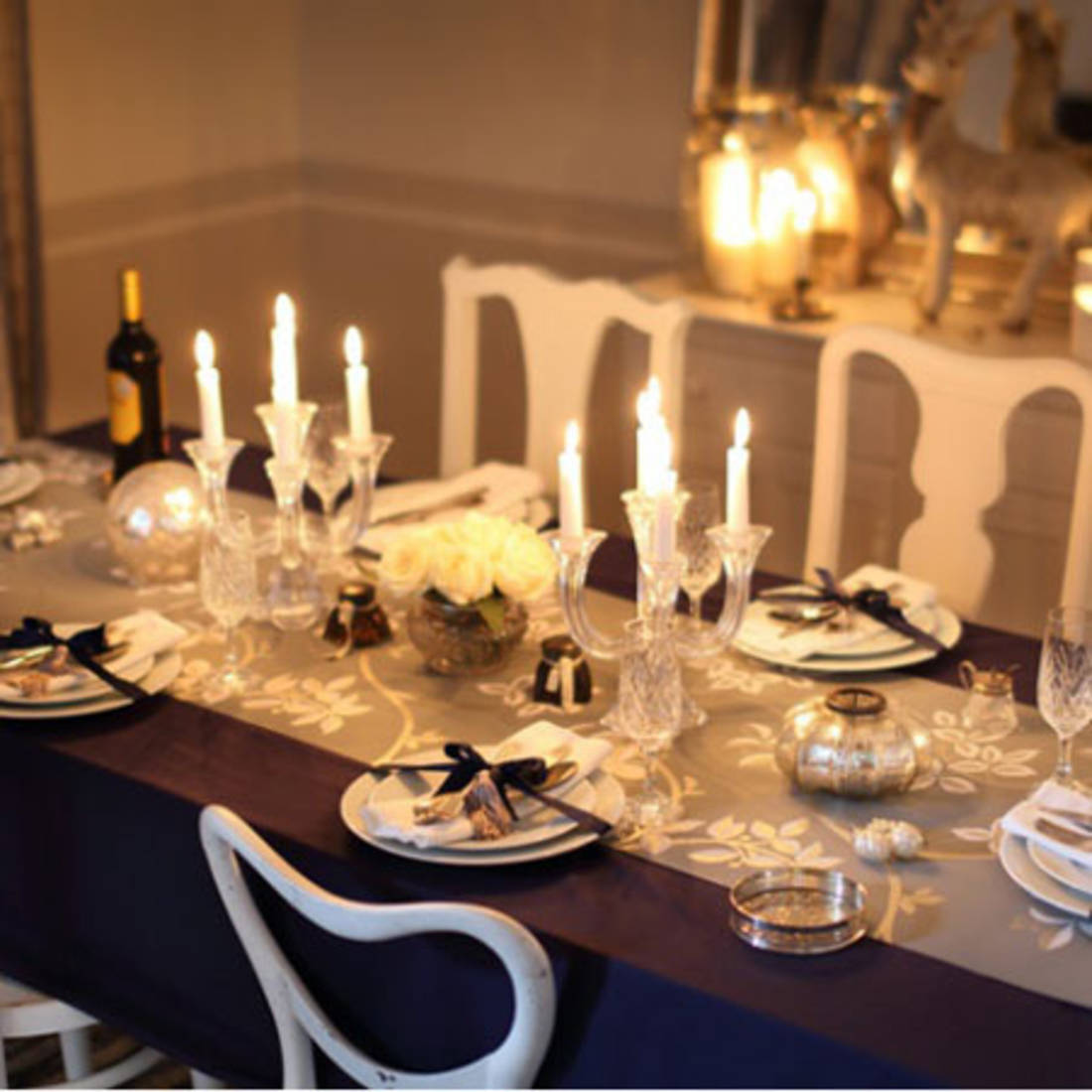 De jolies tables pour le r veillon de no l floriane lemari for Decoration de table de noel