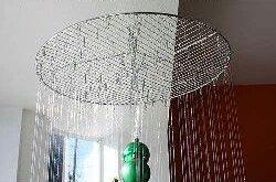 l 39 id e d co du dimanche r aliser un sapin suspendu avec des boules de no l floriane lemari. Black Bedroom Furniture Sets. Home Design Ideas