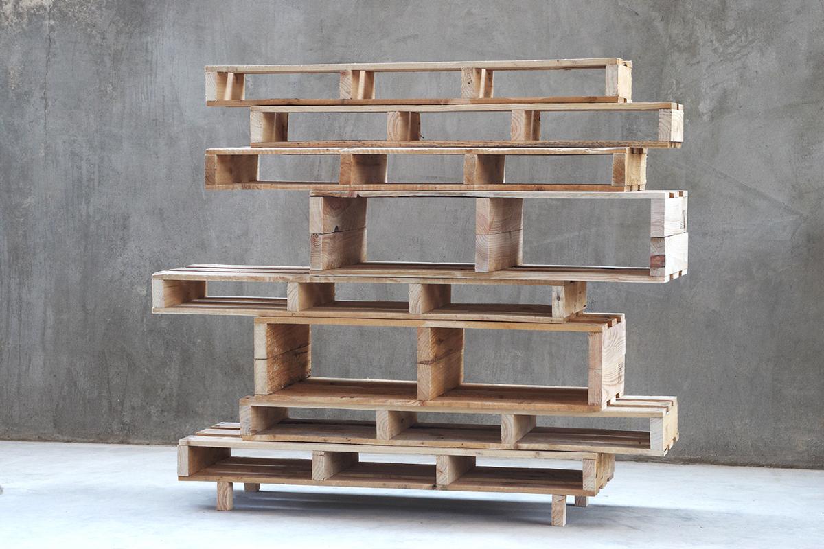 DIY : Une bibliothèque design avec des palettes - Floriane Lemarié - Bibliotheque Diy