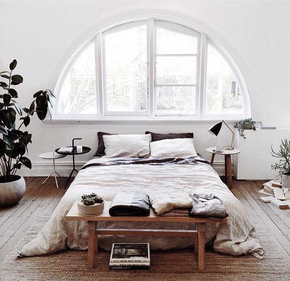 Osez la fen tre circulaire floriane lemari for Decoration fenetre ronde