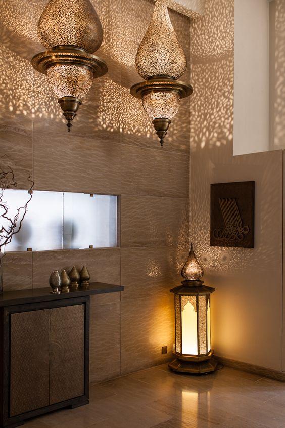 Des salles de bain au style oriental floriane lemari for Decoration orientale moderne