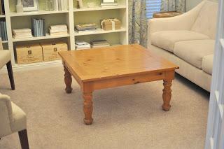 Diy r aliser une table tapiss e la fois table basse et for Table basse et haute a la fois