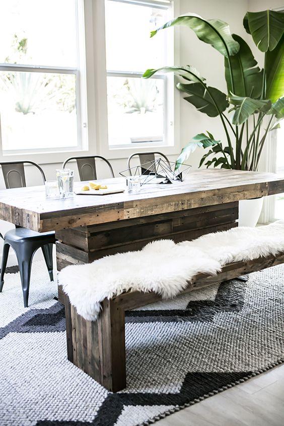 un banc dans la salle manger floriane lemari. Black Bedroom Furniture Sets. Home Design Ideas