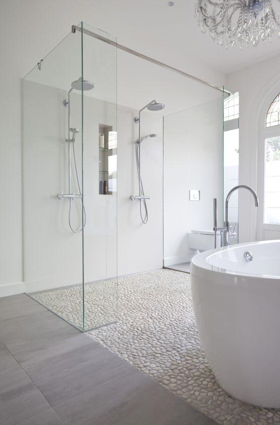 Des salles de bain tout en blanc - Floriane Lemarié