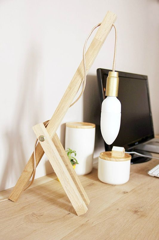 diy cr er une lampe en bois pour le bureau floriane lemari. Black Bedroom Furniture Sets. Home Design Ideas