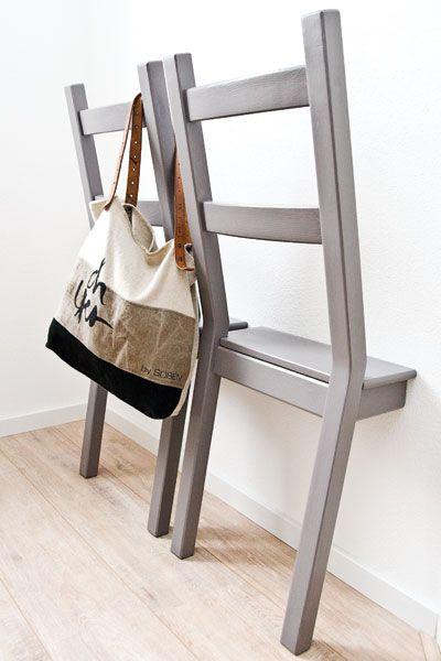 diy cr ez des valets de chambre muraux avec des chaises floriane lemari. Black Bedroom Furniture Sets. Home Design Ideas