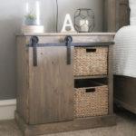 Diy fabriquer une table de nuit avec porte coulissante - Table de nuit originale ...