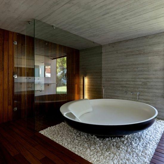 Décoration salle de bain galets