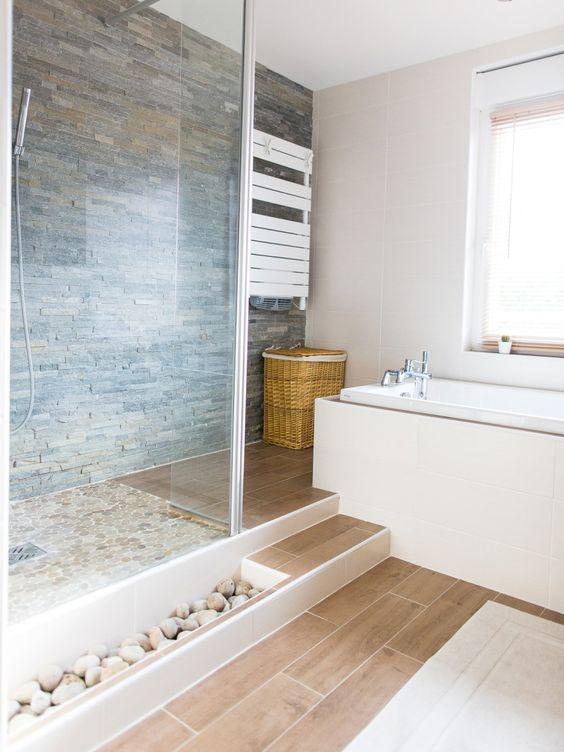 On d core la salle de bain avec des galets floriane lemari - Salle de bain bois et galet ...