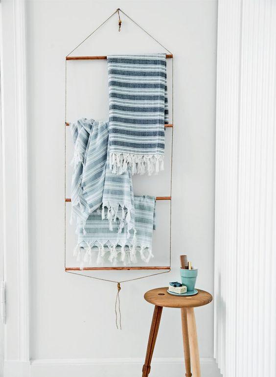 diy r aliser un porte serviettes avec des tubes de. Black Bedroom Furniture Sets. Home Design Ideas