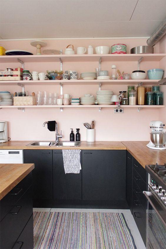 Des cuisines en noir et rose floriane lemari for Cuisine rose et gris