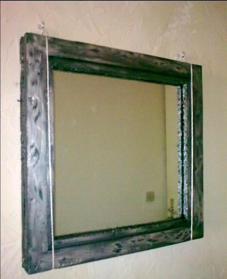 Diy fabriquer un cadre pour miroir avec du panneau for Decouper un miroir